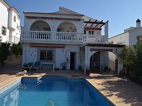 Villa For Sale in Alcaucin, Alcaucin, Spain