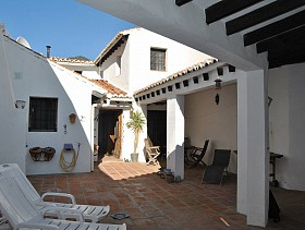 Town House For Sale in Salares, Salares, Spain
