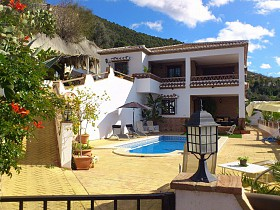 Country Houses For Sale in Alcaucin, Alcaucin,Spain