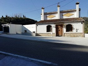 Country Houses For Sale in Vinuela, Vinuela,Spain