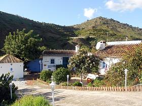 Country Houses For Sale in Benamargosa, Benamargosa,Spain
